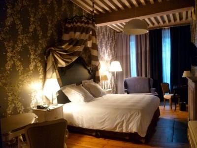 hotelParis.jpg