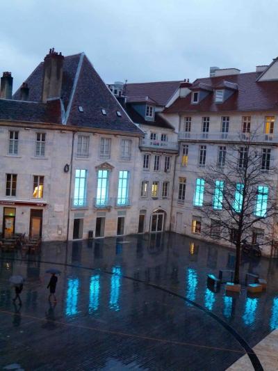 Place Pasteur reflets.jpg